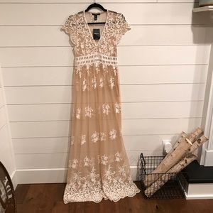 Beautiful forever 21 embroidered lace maxi dress